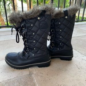 Sorel Waterproof Black Boots